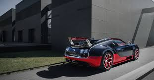 The bugatti veyron 16.4 super sport is an all wheel drive car, with the engine placed amidships, and a 2 door coupé body. Bugatti Veyron 16 4 Grand Sport Vitesse