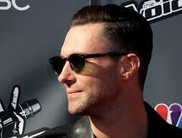 Adam Levine Hairstyle 20 Inspiration Adam Levine Shaved Half His Head Looks Like Twice The Jerk
