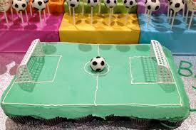 How To Decorate A Soccer Ball Cake Pullapart Cupcake cake made with 100 cupcakes to look like soccer 89