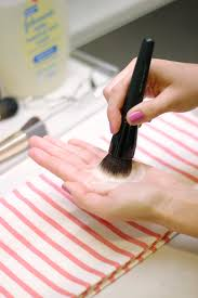 how to clean makeup brushes with baby shampoo. after you feel you\u0027ve worked out the dirt and oil that has been trapped in bristles, rinse brush head under lukewarm water again. how to clean makeup brushes with baby shampoo e