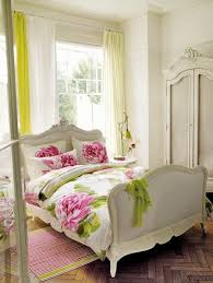 Shabby Bedroom Furniture Shabby Chic White Bedroom Idea With Flower Bedding Set Plus French