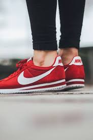 Best 25+ Red nike shoes ideas on Pinterest | Red nike running ...