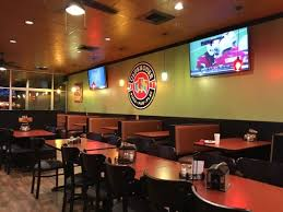 round table pizza clubhouse main dining area