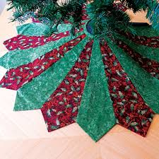 12 Days Of Christmas Sewing Day 1u2014An Easy Tree Skirt  Tree Easy Christmas Crafts To Sew