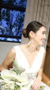 タイトなシニヨン人気が再燃オシャレ花嫁の2019年結婚式ヘアスタイル