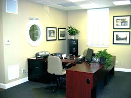 how to decorate office. Plain Decorate Decorate  In How To Decorate Office T