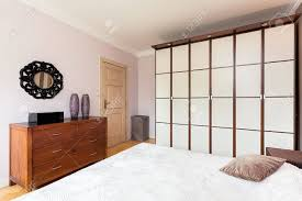 Vintage Herrenhaus Ein Weißes Braun Trennwand In Einem Stilvollen
