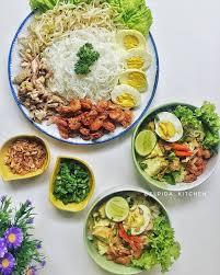 Terkenal menjadi makanan sehat pengganti nasi putih, kamu wajib tahu dulu beberapa fakta tentang shirataki berikut! 10 Resep Kreasi Nasi Dan Mie Shirataki Cocok Untuk Menu Diet