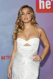 Addison Rae Looks Like Marilyn Monroe ...