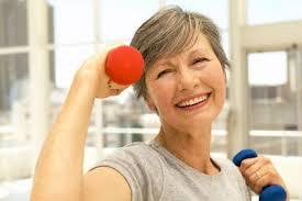 Resultado de imagem para mulher na menopausa imagens