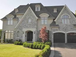 Best 25+ Stucco exterior ideas on Pinterest   Stucco homes, DIY exterior  painting stucco and Diy stucco exterior