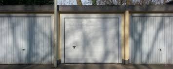 Elektrische Garagentore Sektionaltor Rolltor Schwingtor