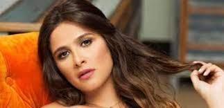 بفريق طبي متكامل.. السيسي يتدخل لعلاج ياسمين عبدالعزيز