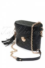 From Paris with Love! - Lula Matelasse Chanel style chain shoulder bag |  Chanel-mode, Schultertasche, Taschen