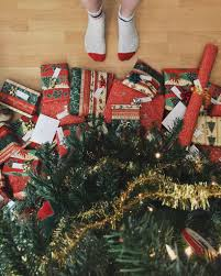 2016 holiday gift giving etiquette the huffington post 2016 holiday gift giving etiquette