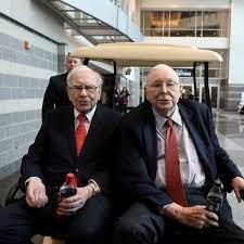 Warren Buffett wird 90 Jahre alt: Mögliche Nachfolger Ajit Jain und Greg  Abel - manager magazin