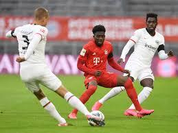 FC Bayern - Eintracht Frankfurt: Martin Hinteregger trifft in München  dreimal ins Tor
