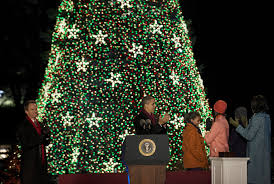 2012 National Christmas Tree - Obama lights National Christmas Tree -  Pictures - CBS News