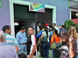 Resultado de imagem para venezuelanos famintos invadem brasil fotos