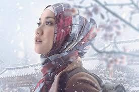 film jilbab traveler membuka hati bunga