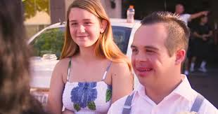 Resultado de imagen para Girl Gets Brand-New Nissan Sentra After She Asks Friend With Down Syndrome to Prom