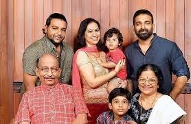 Stars&Family - Nedumudi Venu with family   Facebook