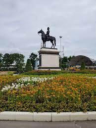 ลานพระบรมรูปทรงม้า - รีวิวสถานที่ท่องเที่ยว - Wongnai