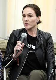 Director BIO: Robin Hays (POST NO BILLS) | FEEDBACK Female Film Festival