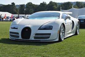 As the world's first hyper sports car, the veyron 16.4 generates 1,001 ps, reaches speeds of 407 km/h and accelerates from 0 to 100 in 2.5 seconds. Bugatti Veyron Super Sport 300