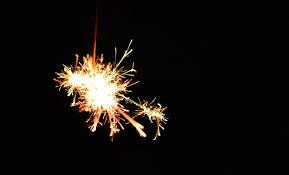 夏の終わり線香花火無料の写真素材はフリー素材のぱくたそ