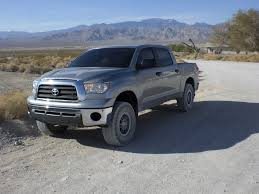 Toyota Tundra with ReadyLift Leveling Kit stock versus lifted ...
