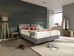 Schlafzimmer Farben Gold Schlafzimmer Schwarz Luxus Mit Rotem Bett