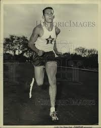 Press Photo University of Texas and 1956 Olympics hurdler Eddie ...