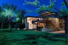 Outdoor Landscape Lighting Custom Design Build Landscape And Architectural Lighting