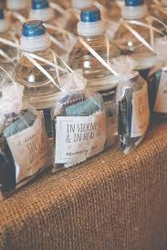 5 wedding favors your guests actually want | Kayla's Five Things | unique  wedding favors |