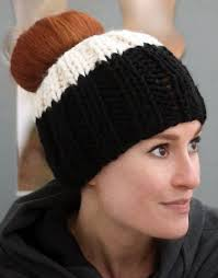 Bun Hat Pattern Fascinating Free Knitting Pattern For Ribbed Messy Bun Hat Easy Ponytail Hat