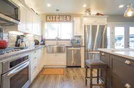 Why White Kitchen Cabinets 5 Strong Reasons Maplevilles Cabinetry