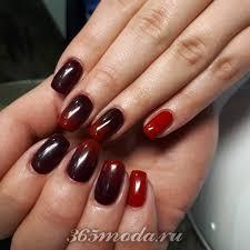 Obrázek V červené Barvě Krásná červená Manikúra červená A černá
