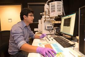 Relentless Mechanical Engineer Receives Hitachi Fellowship