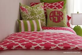 Dorm Bedding Decor 1000 Ideas About Preppy Bedding On Pinterest Bedroom Dorm