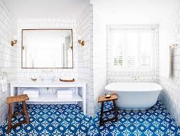 28 creative tile ideas for the bath and beyond freshome com cozy blue bathroom 19