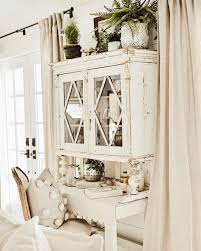 """Liz Marie Blog on Instagram: """"This hutch is so gorgeous that it ..."""