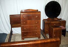 Attractive Before 1930, Manufacturers Prided Themselves In Producing Pieces With  Sometimes Up To 11 Layers Of Wood, Especially For Curved Door Panels.