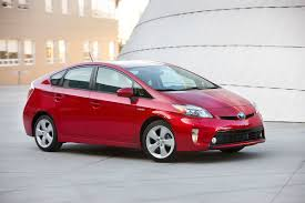2015 Toyota Prius Review l ChickDriven - ChickDriven.com