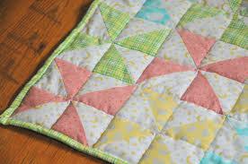 Striped Pinwheel Baby Quilt and Free Pattern | Kiku Corner &  Adamdwight.com