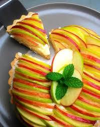 Resultado de imagem para imagens Torta de maçãs com creme