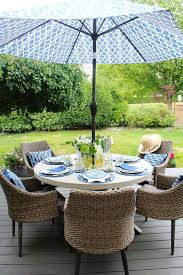 Summer outdoor furniture Round Pool Beautiful Simple Summer Outdoor Tablescape In Blue And Yellow Clean And Scentsible How To Clean Outdoor Cushions Clean And Scentsible