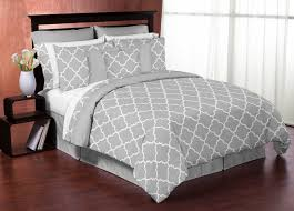 gray and white trellis 3pc bed in a bag