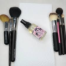 clean disinfect makeup brushes at home