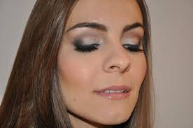 makeup for ever hd foundation mac select moisturecover concealer under eyes and darker shade under cheek bones to contour blended in with beauty blender
